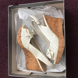 Apt 9 White Wedge Sandals